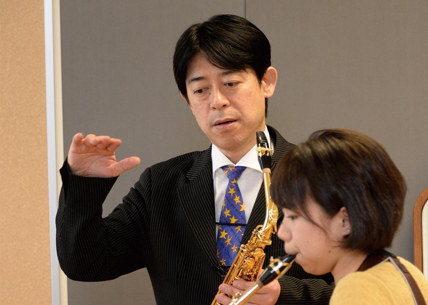 田中 靖人 氏
