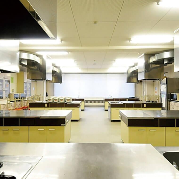 栄養実習室(南棟1F)