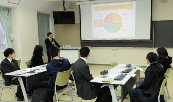 ミニ講義・体験授業「地域社会学科で何を学ぶ?」